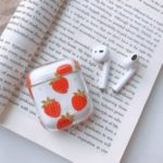 Transparent Bluetooth Headphone Cover Hard PC Pattern Printing Case for Apple AirPods with Charging Case (2019) (2016) – Strawberry