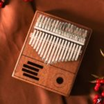 17 Keys Kalimba Thumb Piano Mahogany Wood Body Finger Mbira Sanza with Accessories – Brown